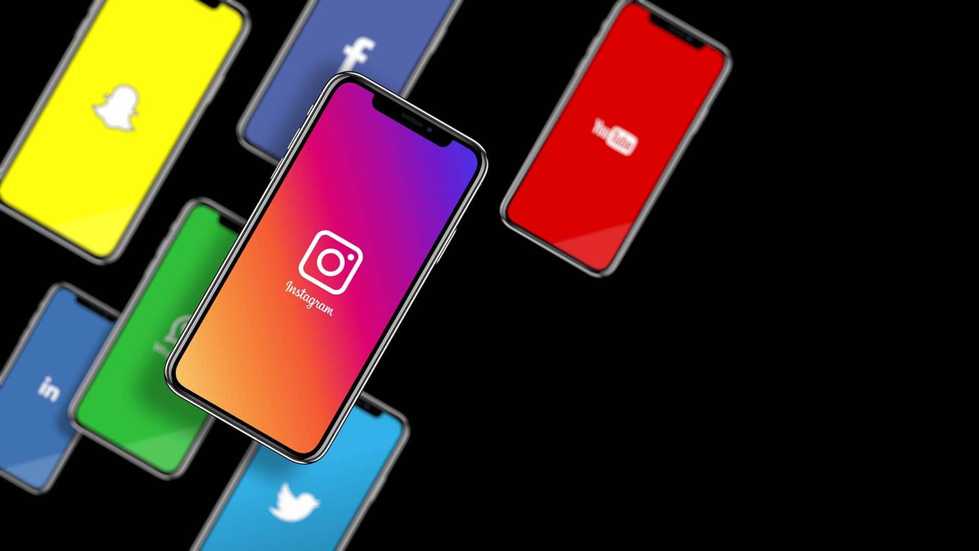 infinidad social media iphones